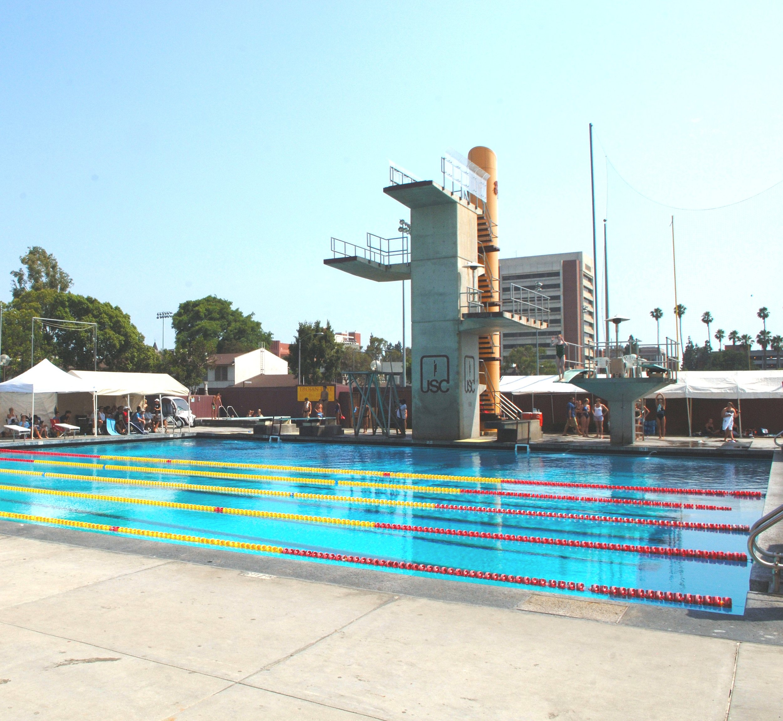 The 10-meter diving tower at USC's McDonald Swim Stadium and the adjacent 3-meter diving platform. This diving pool is next to the 50-meter competition swimming pool.