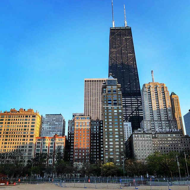 Our home town is unlike any other! #skyline #Chicago #GoldCoast #OakStreetBeach #HancockTower #LakeShoreDrive #TheDrake #PalmoliveBuilding