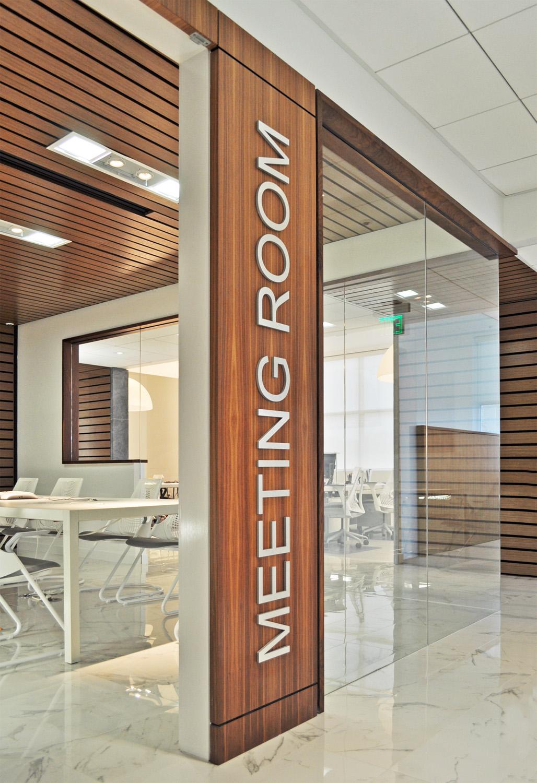 Featured_RPI_Meetingroom.jpg
