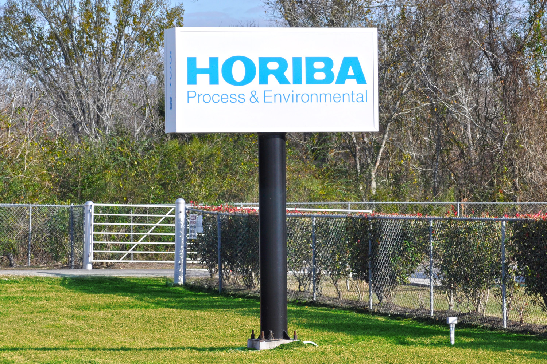 Header_PoleSign_Horiba.jpg