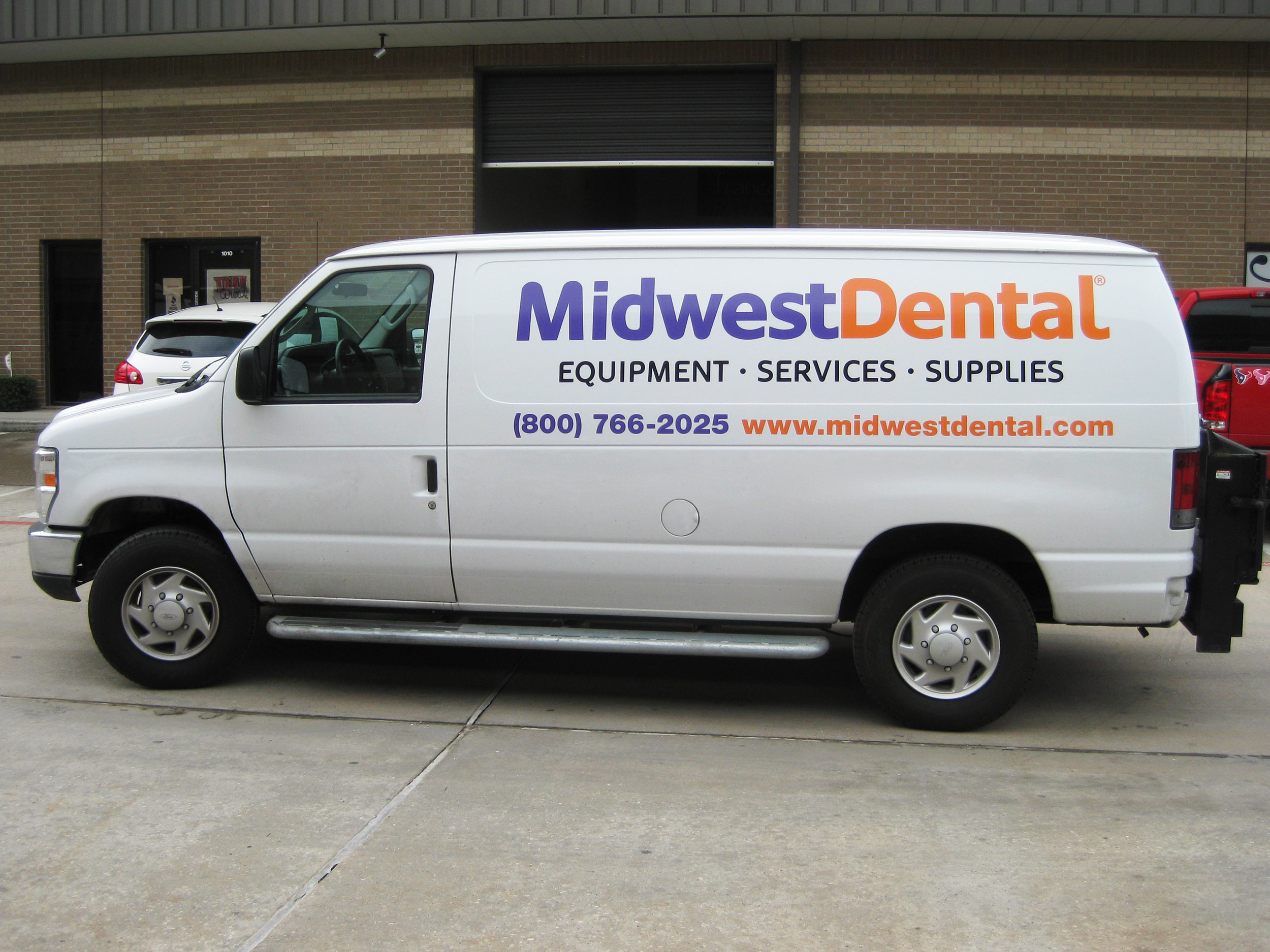 MidwestDental_Van_Decals_web.jpg