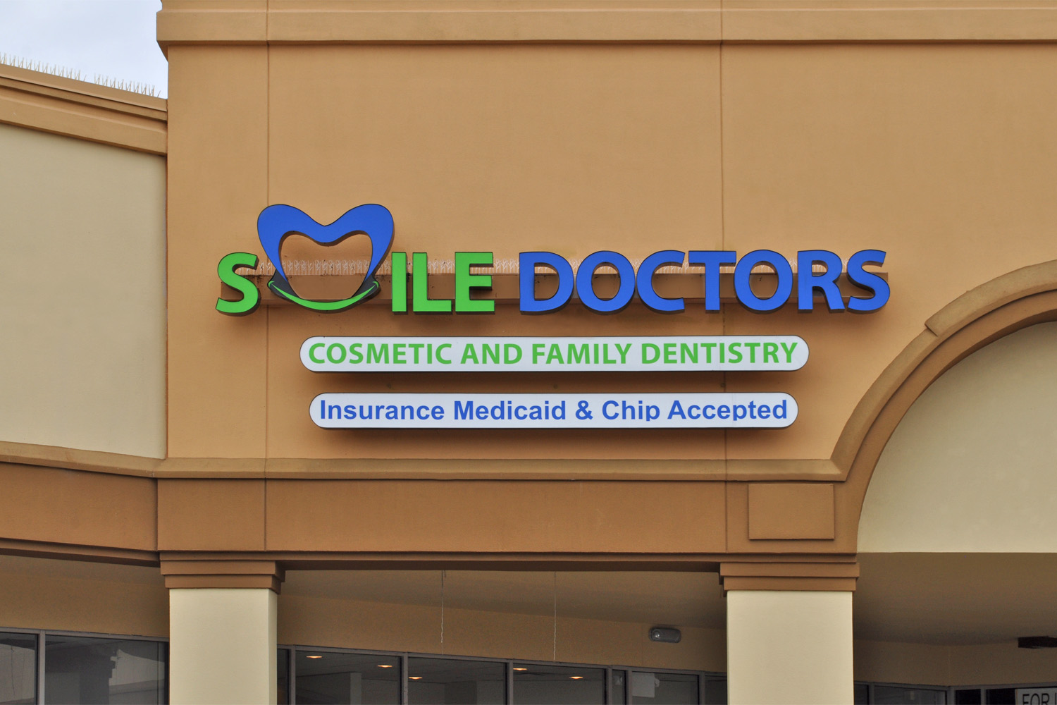 SmileDoctors_Channel_Letters_web.jpg