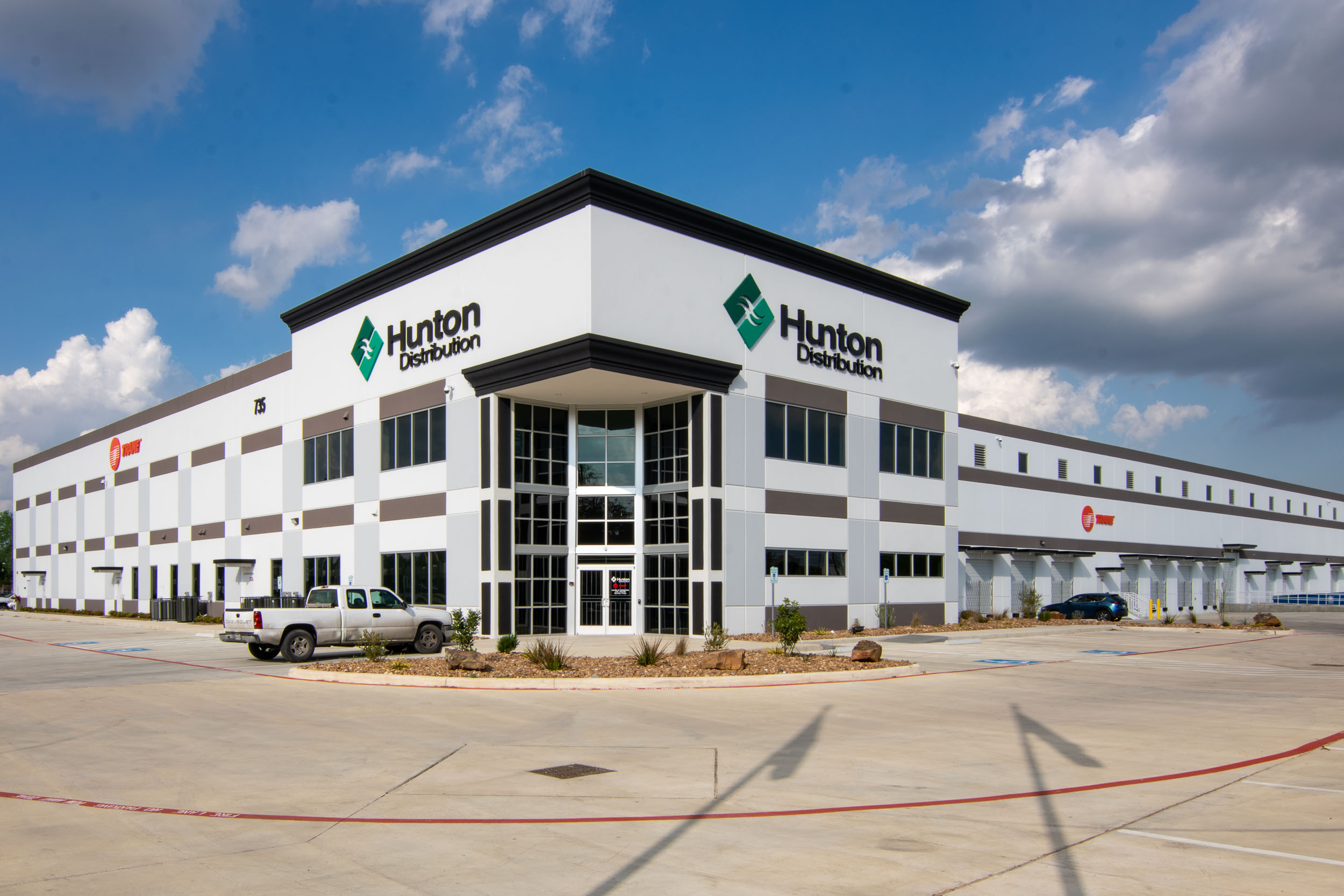 Hunton Distribution - Channel Letters