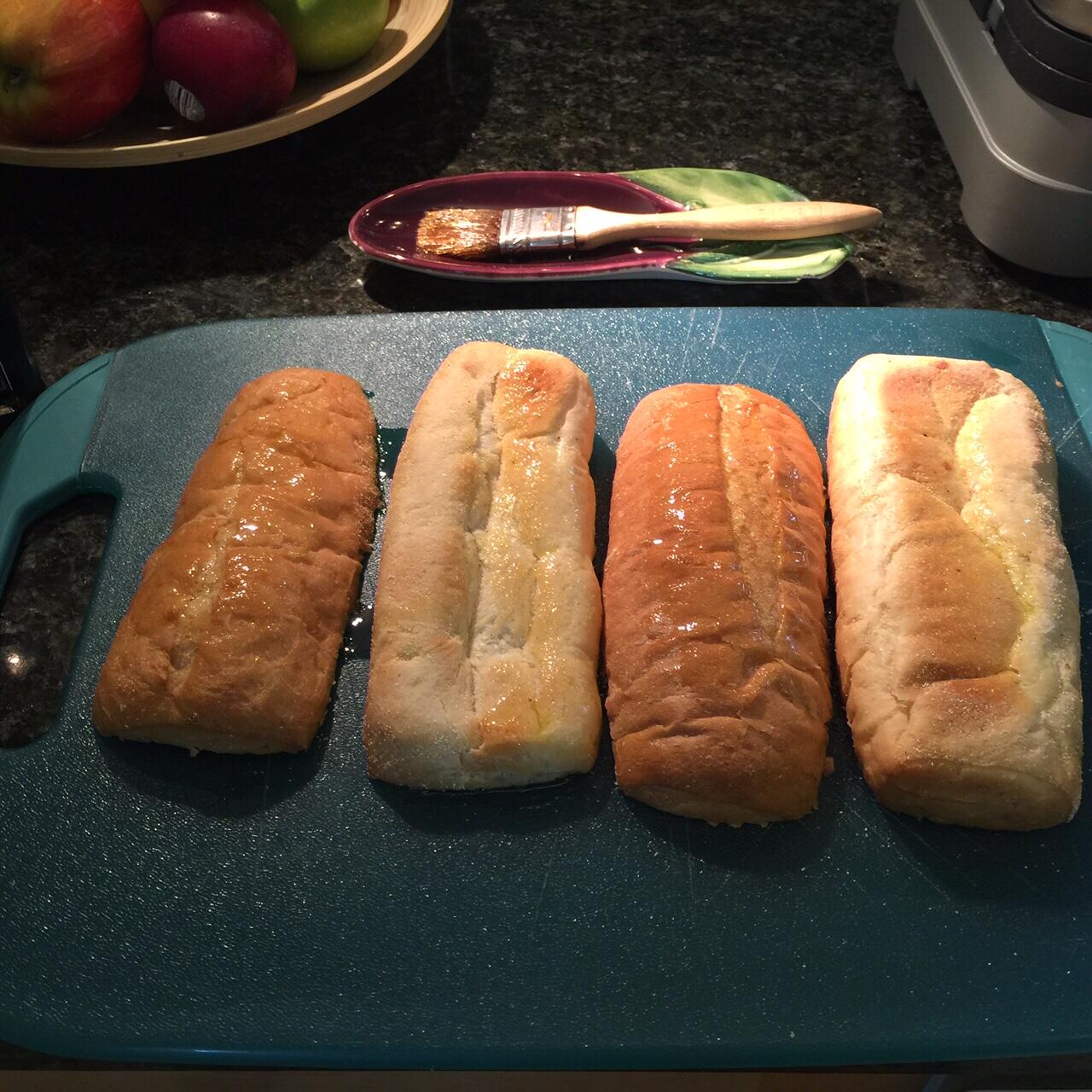 2. Oil the bread.JPG