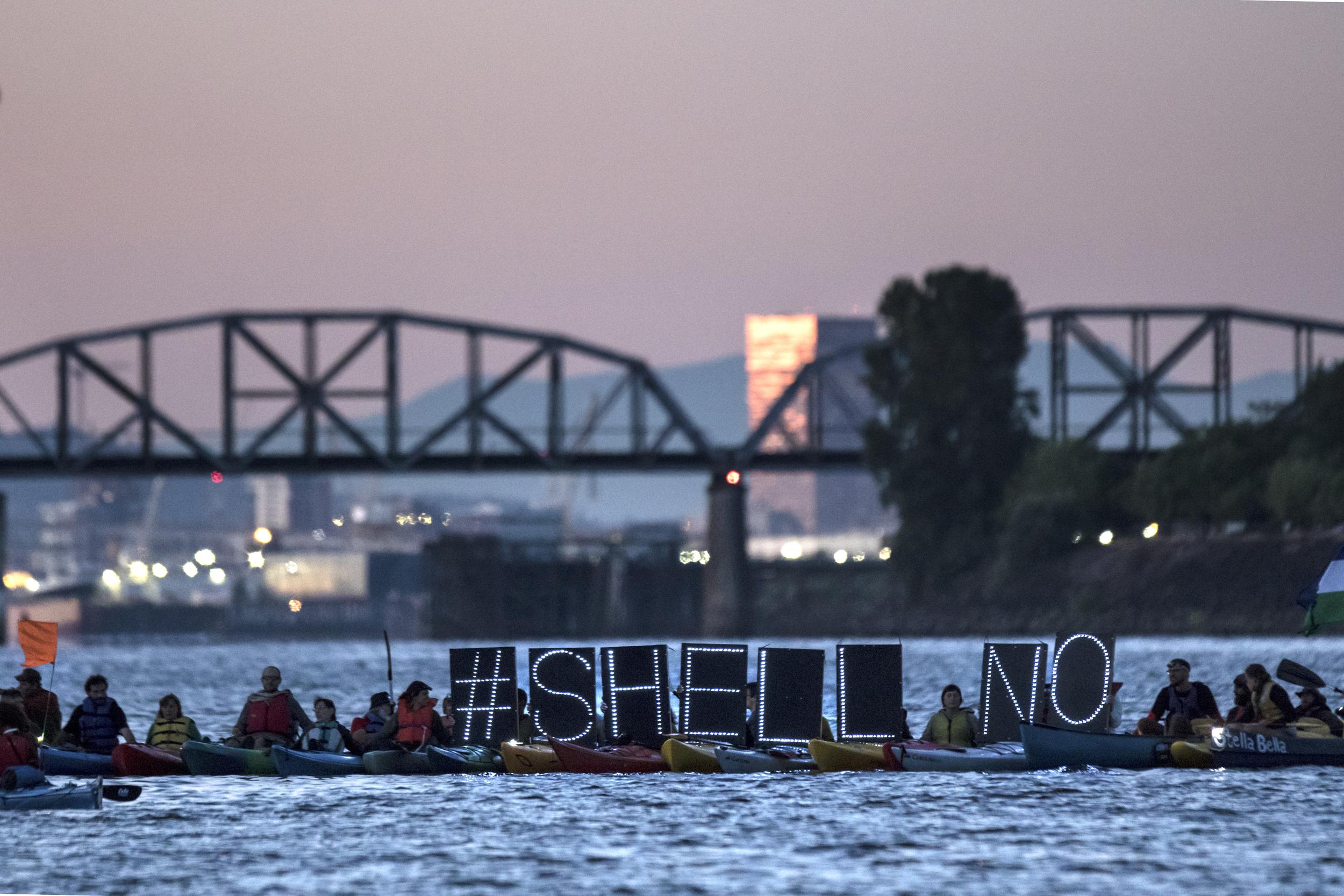 0804-PTNE-Shell Protest5_JH.jpg