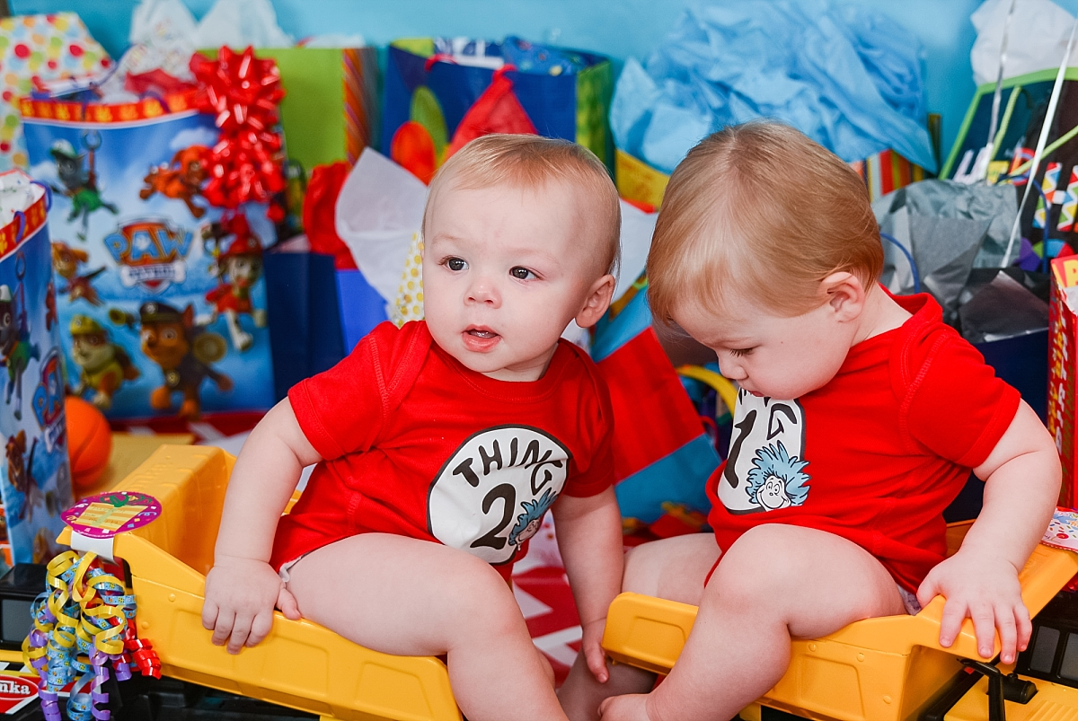 dr seuss 1st birthday party with payton and liam_0148.jpg