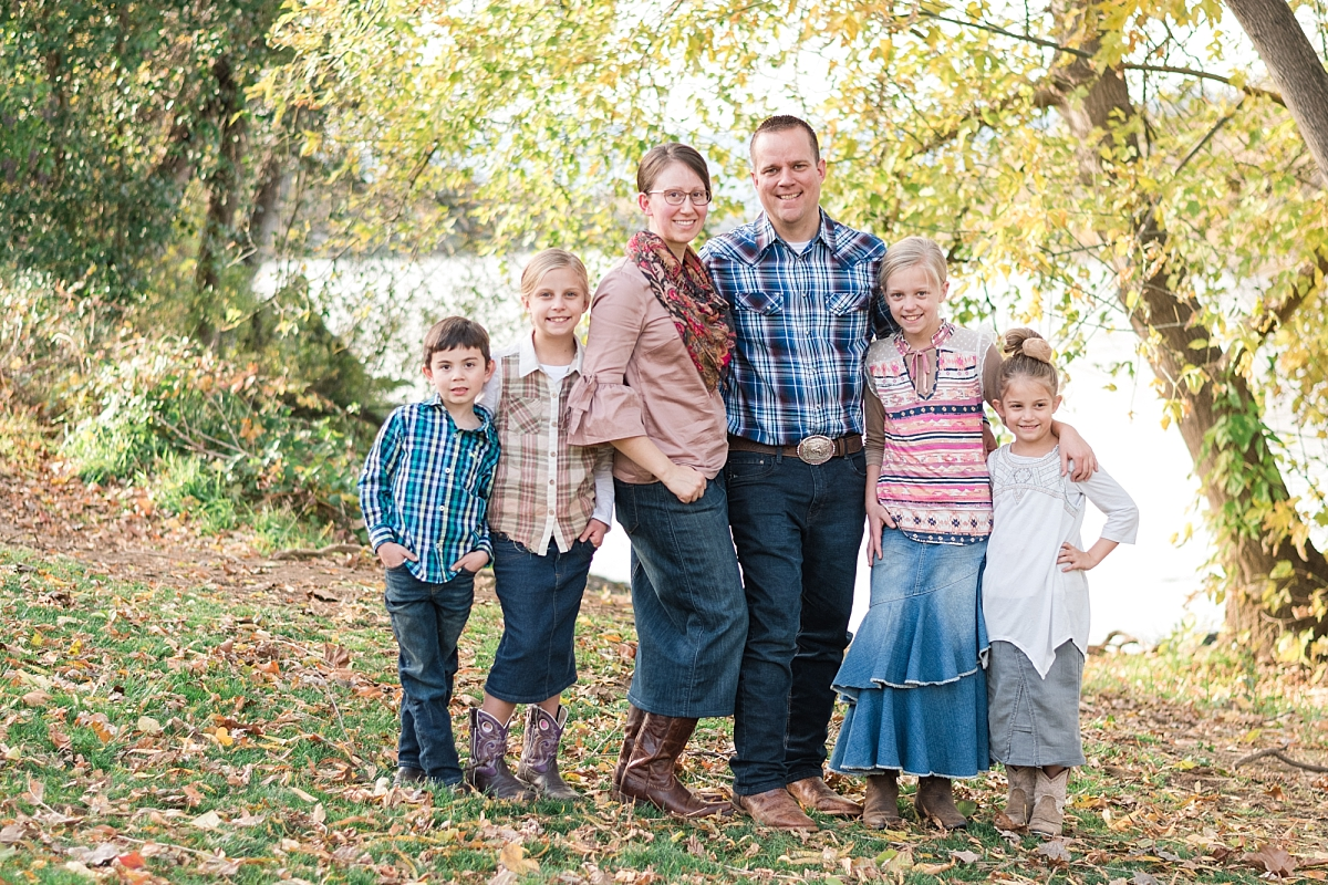 family portraits in the park by the river and on the pathway_0006.jpg