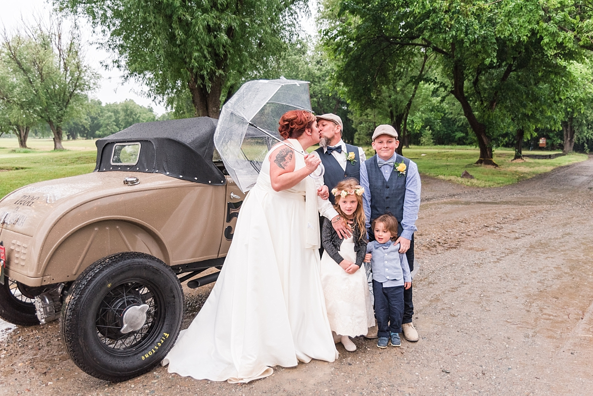 red bluff wedding at oak creek golf course with vintage car_0321.jpg