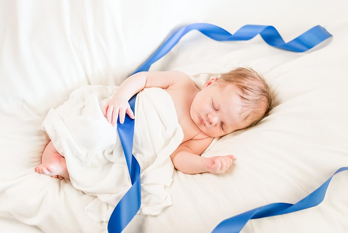 newborn portaits with wood american flag background_0354.jpg