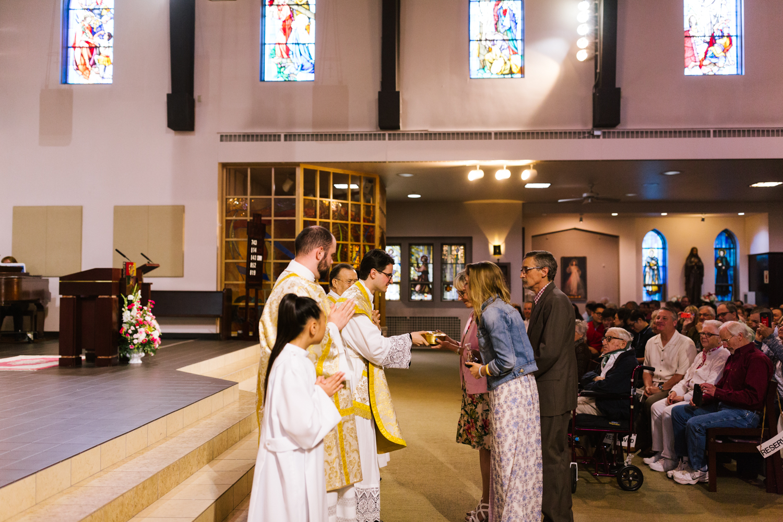 father_lou_first_mass_saint_anthony_renton-36.jpg