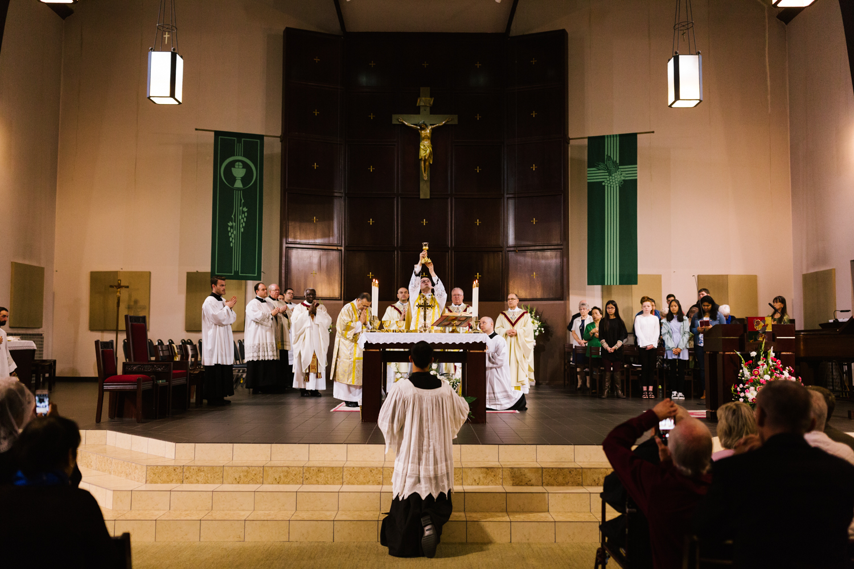 father_lou_first_mass_saint_anthony_renton-46.jpg