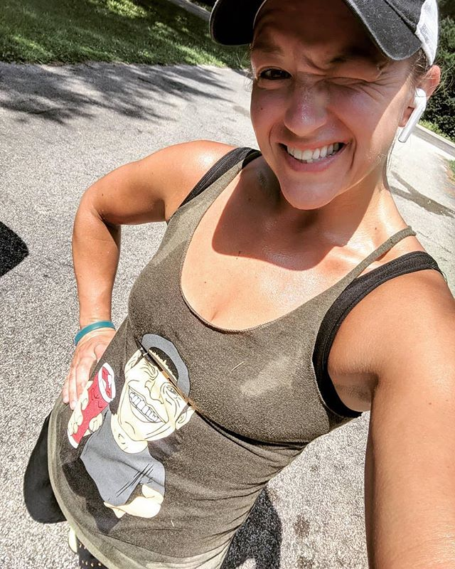 #Repost @egalbreath ・・・ It's another beautiful hot day!! Hit an awesome sweaty run and now to meal prep, play outside, then go to work!  #sundayrunday #drinkthekoolaid #cardio #crossfitgirls #crossfit #train #run #sweat #makeitrain #ilovetorun @barbellvoodoo @crossfit217