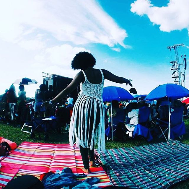 """Carefree black girl levels on a hunnid thousand trillion""- @maurachanz at the @manyriversfest 💕  #carefreeblackgirl #wanderer #gypsysoul #nomad #flowercrowns #igtravel #traveller #wanderlust #wanderingram #dancing #festivalseason #lover #melanin #beautifulworld #photooftheday #igtravel #instatravel #parlourmagazine #lovetravelswithme #travelismyboyfriend"