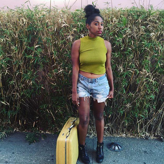 "@slayycole : ""Love my new suitcase💛  Thank you @mariaalvarez for the 30 buck steal😩 I promise to take it amazing places!"" Shot by @chandraliz  #thrift #amazingfinds #inlove #whatasteal #adventuretime #wanderlust #escape #roadtrips #newbeginnings #travelblogger #santamonica #calilivin #blackgirlstravel #cntraveler #condenasttraveler #instatravel #photooftheday #saturdayselfie"