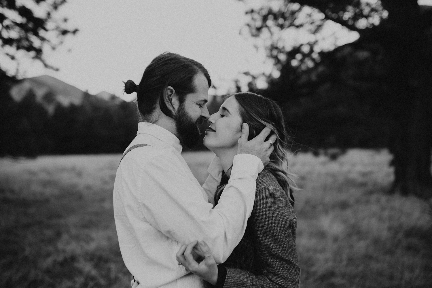 Katie_Jon_Forest_Engagement (18).jpg