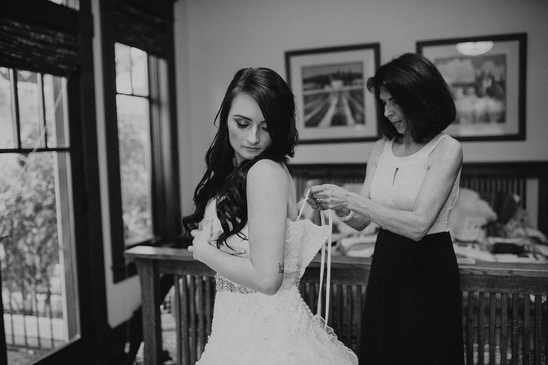 Faith_Iain_Getting Ready Girls (10).jpg
