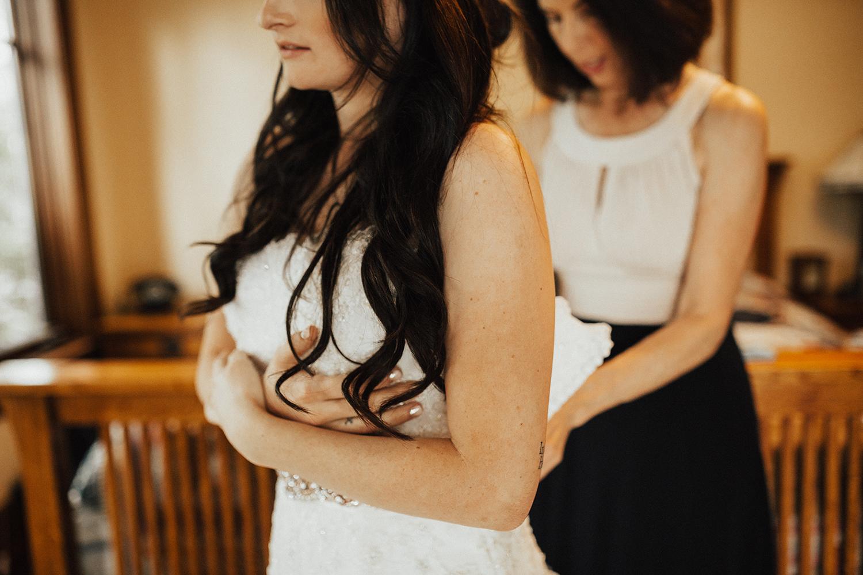 Faith_Iain_Getting Ready Girls (19).jpg
