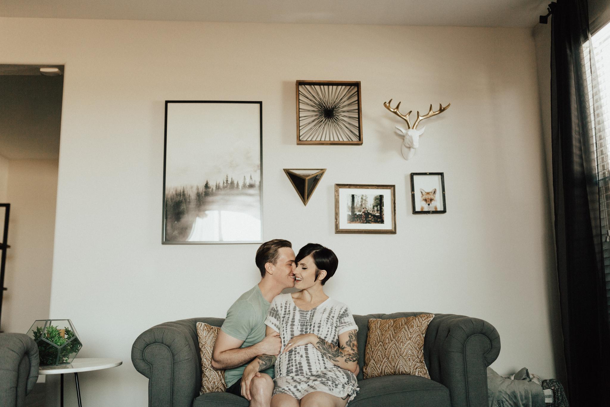 Arizona-Intimate-In-Home-Session-Maternity (4).jpg