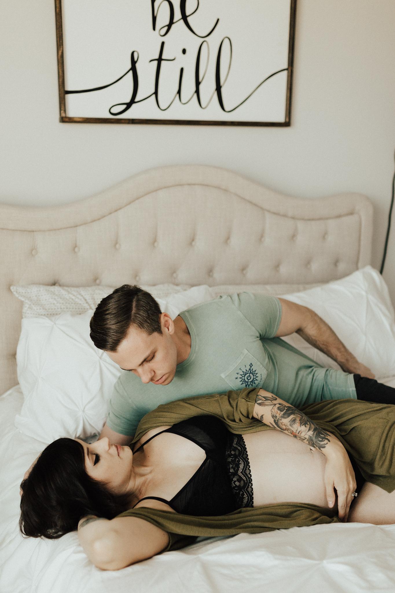 Arizona-Intimate-In-Home-Session-Maternity (5).jpg