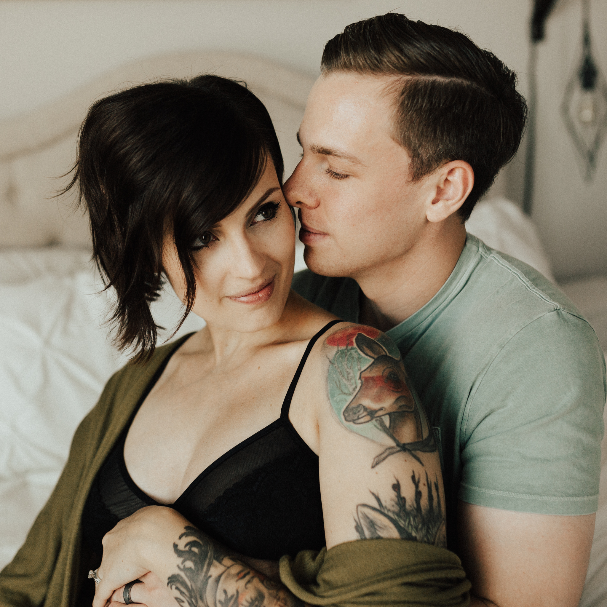 Arizona-Intimate-In-Home-Session-Maternity (9).jpg