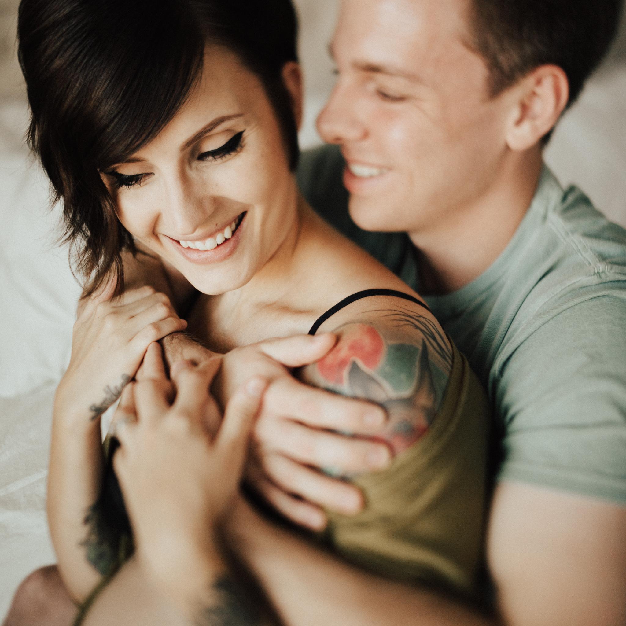 Arizona-Intimate-In-Home-Session-Maternity (13).jpg