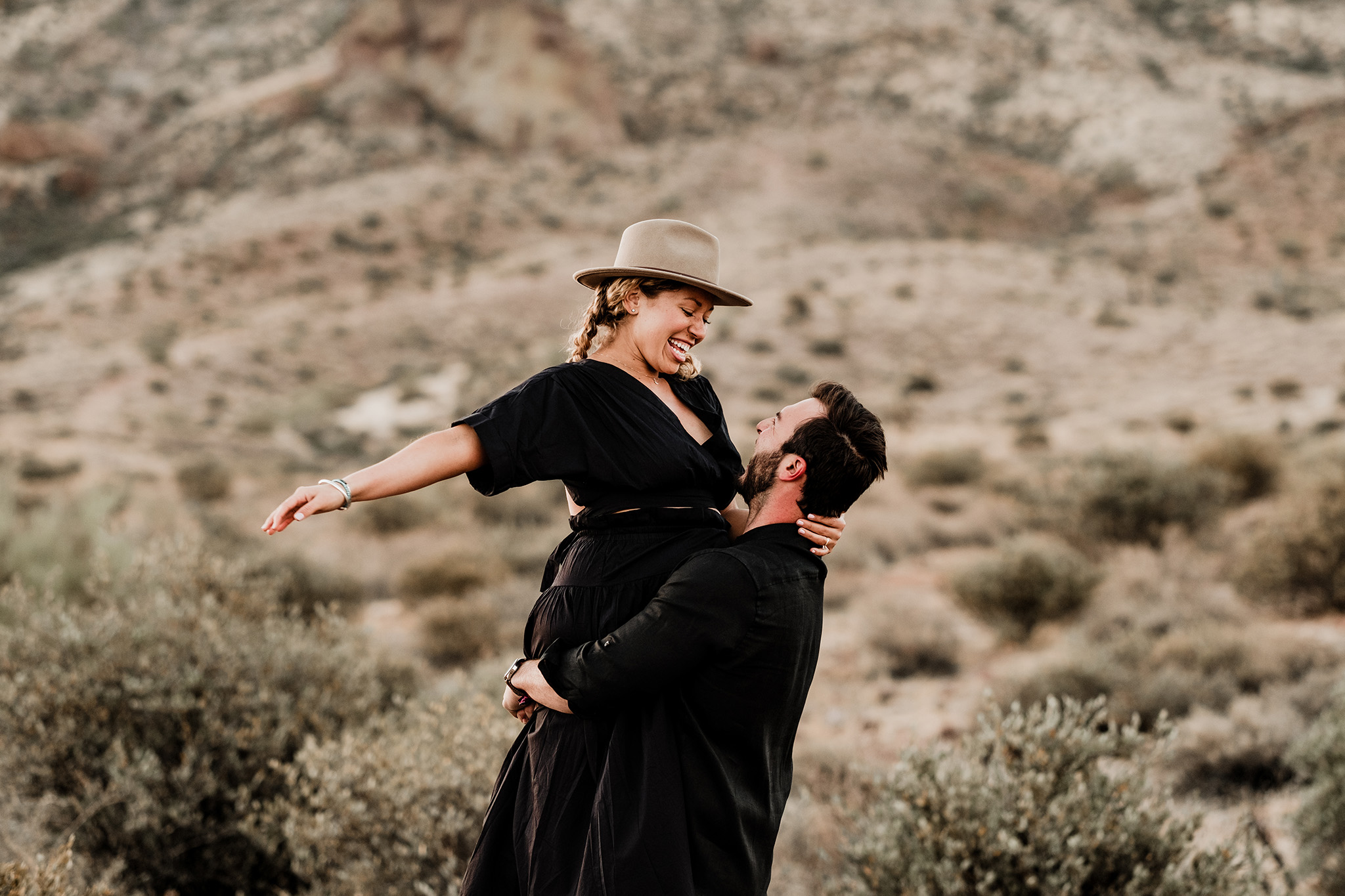 Arizona-Desert-Intimate-Wedding-Photographer-Lost-Dutchman-State-Park (24).jpg