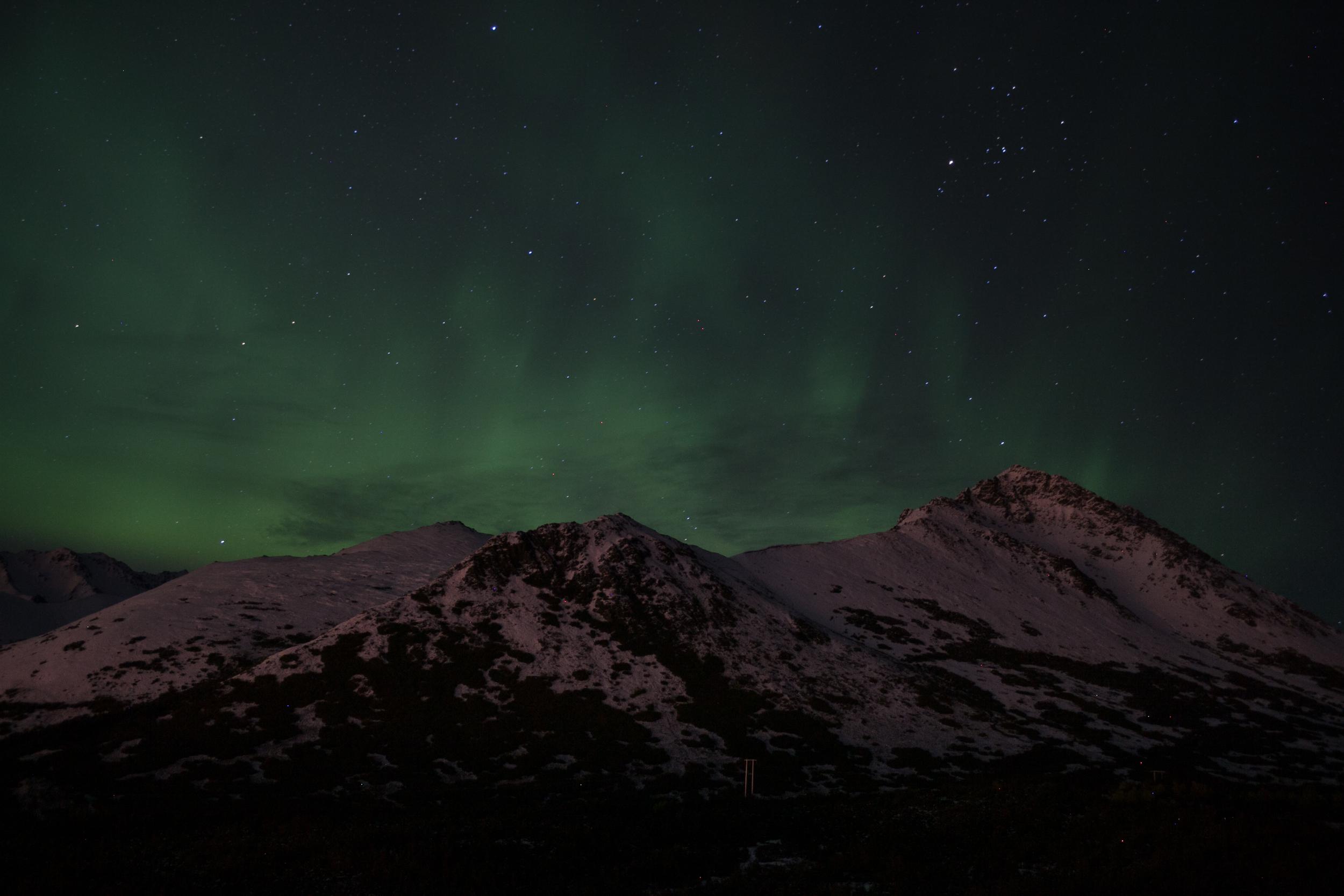 northern lights chugach mountains alaska
