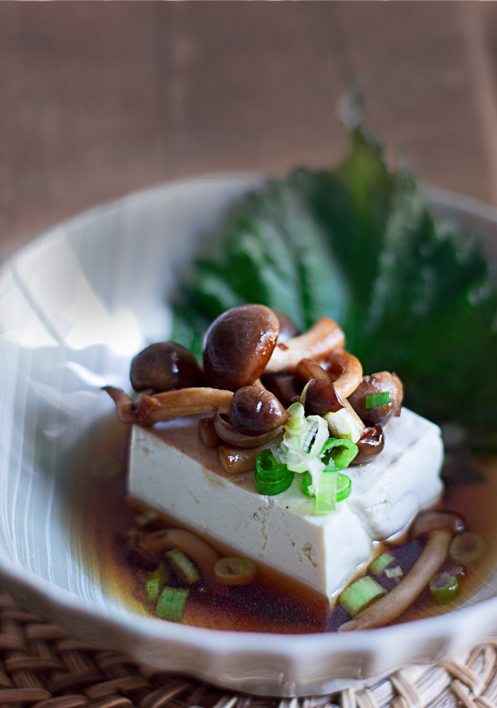 tofu con setas shimeji