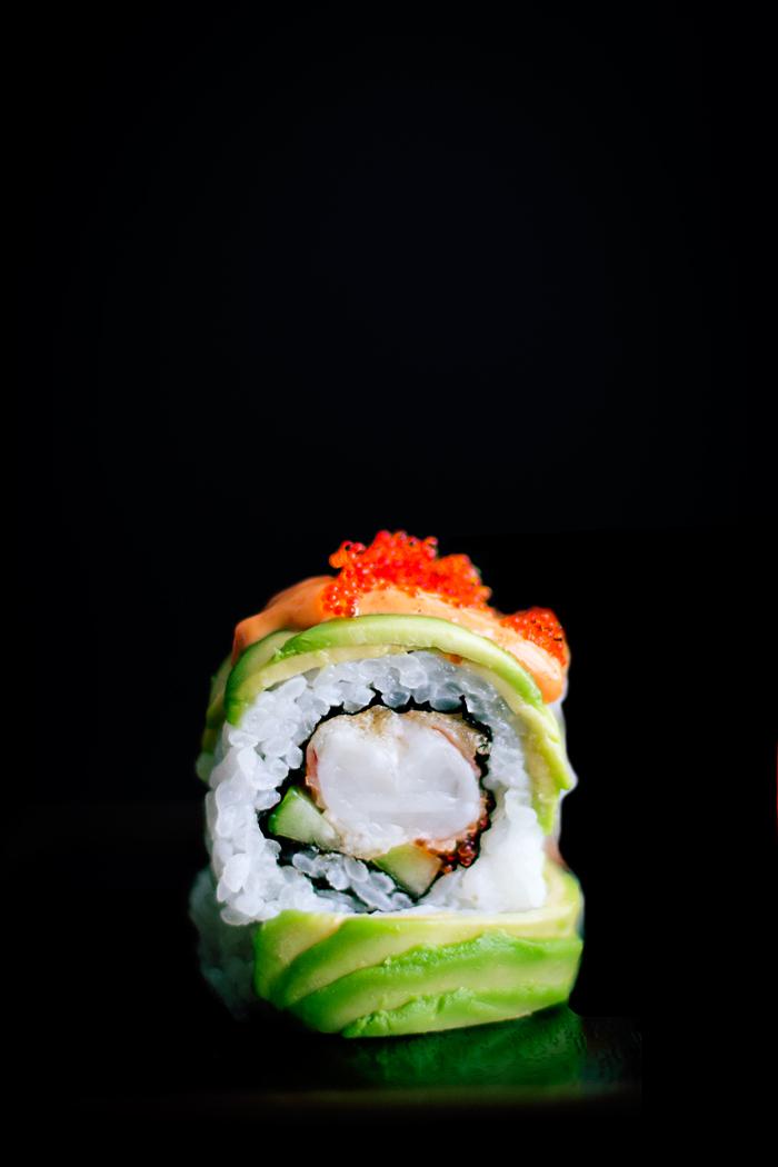dragon roll maki sushi