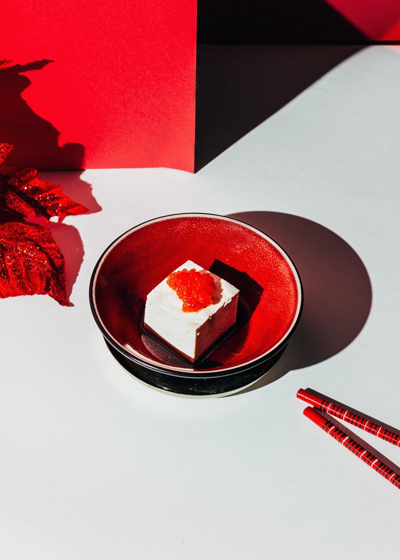 tofu con huevas de salmón