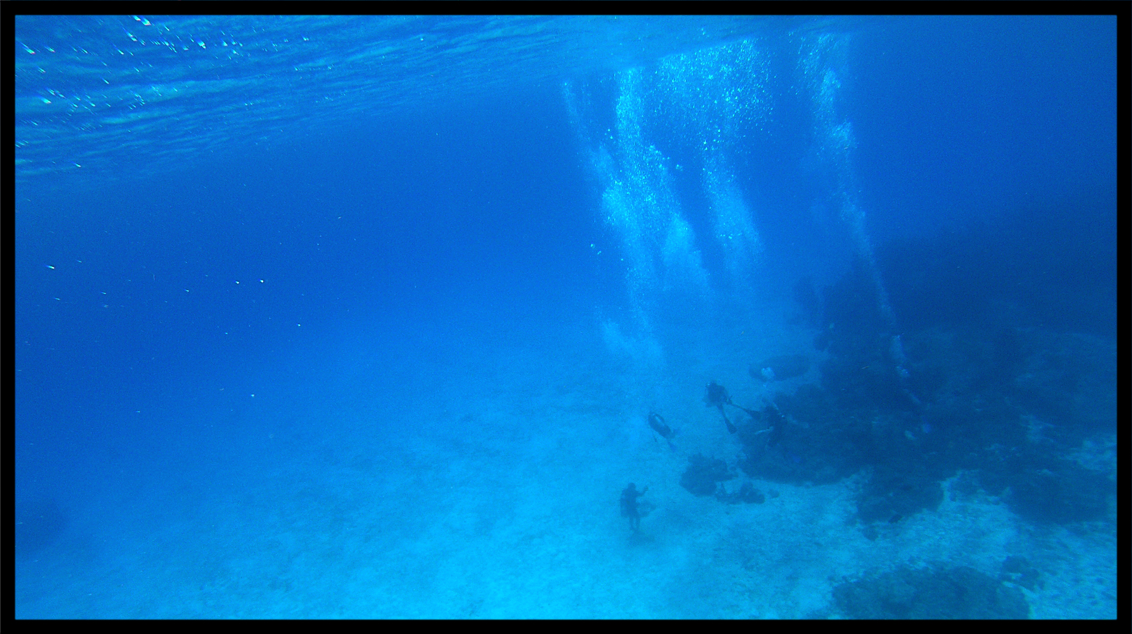 divers_at_50ft.jpg