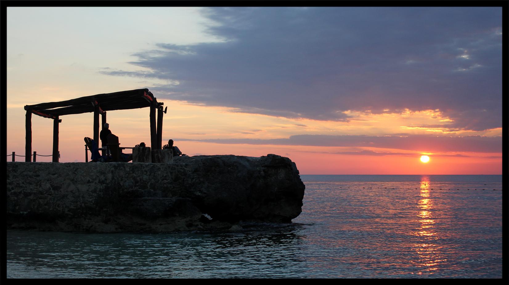 playa_azul_sunset.jpg