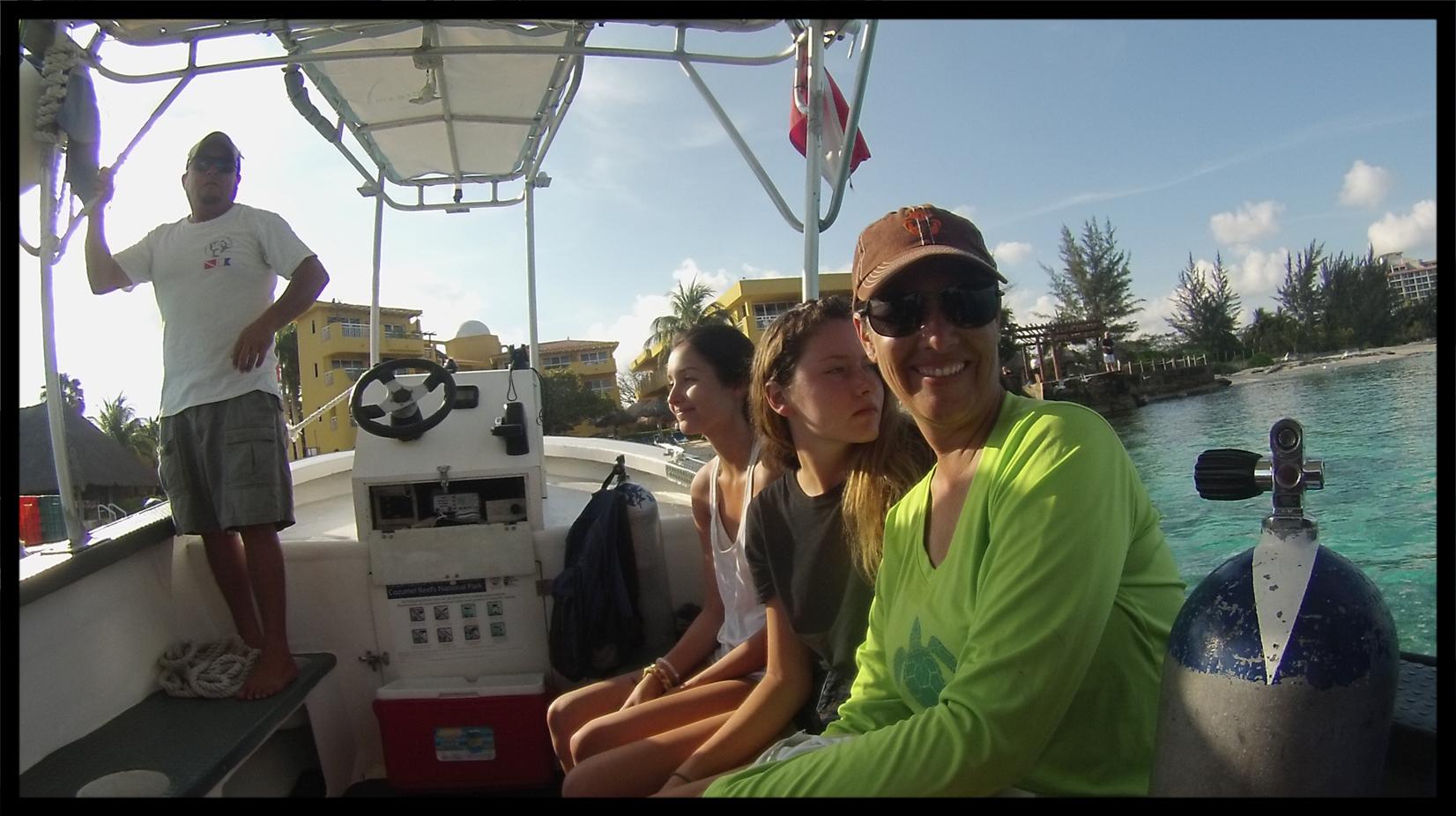snorkel_boat.jpg