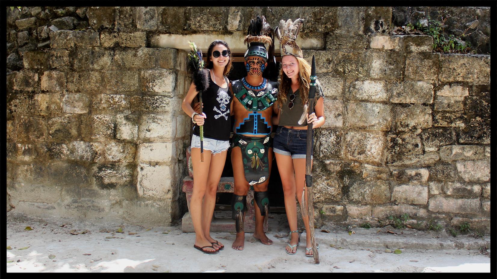 tourist_girls.jpg