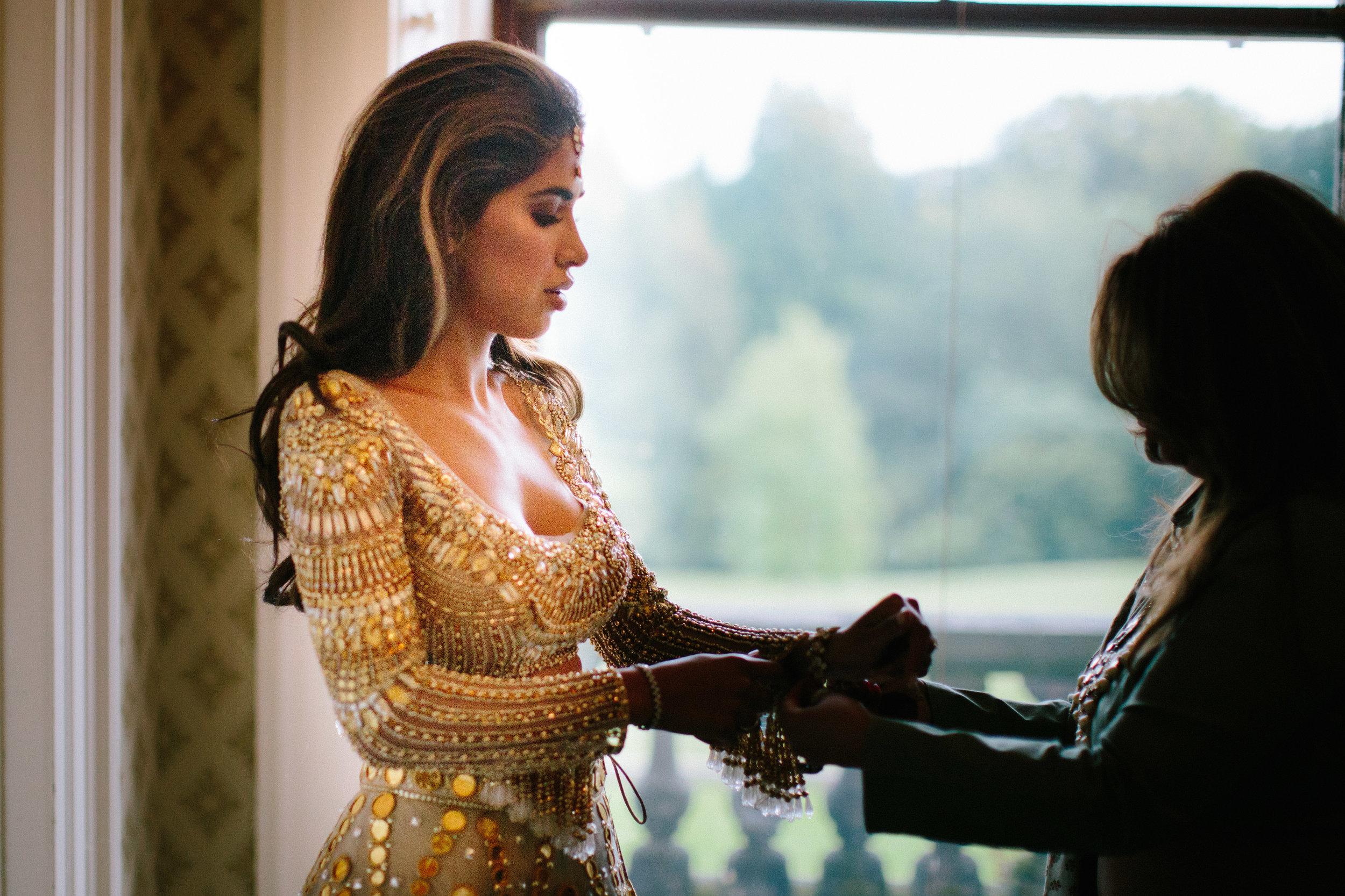alternative asian Mehndi and wedding in Tatton Park - Michael Newington Gray-4.jpg