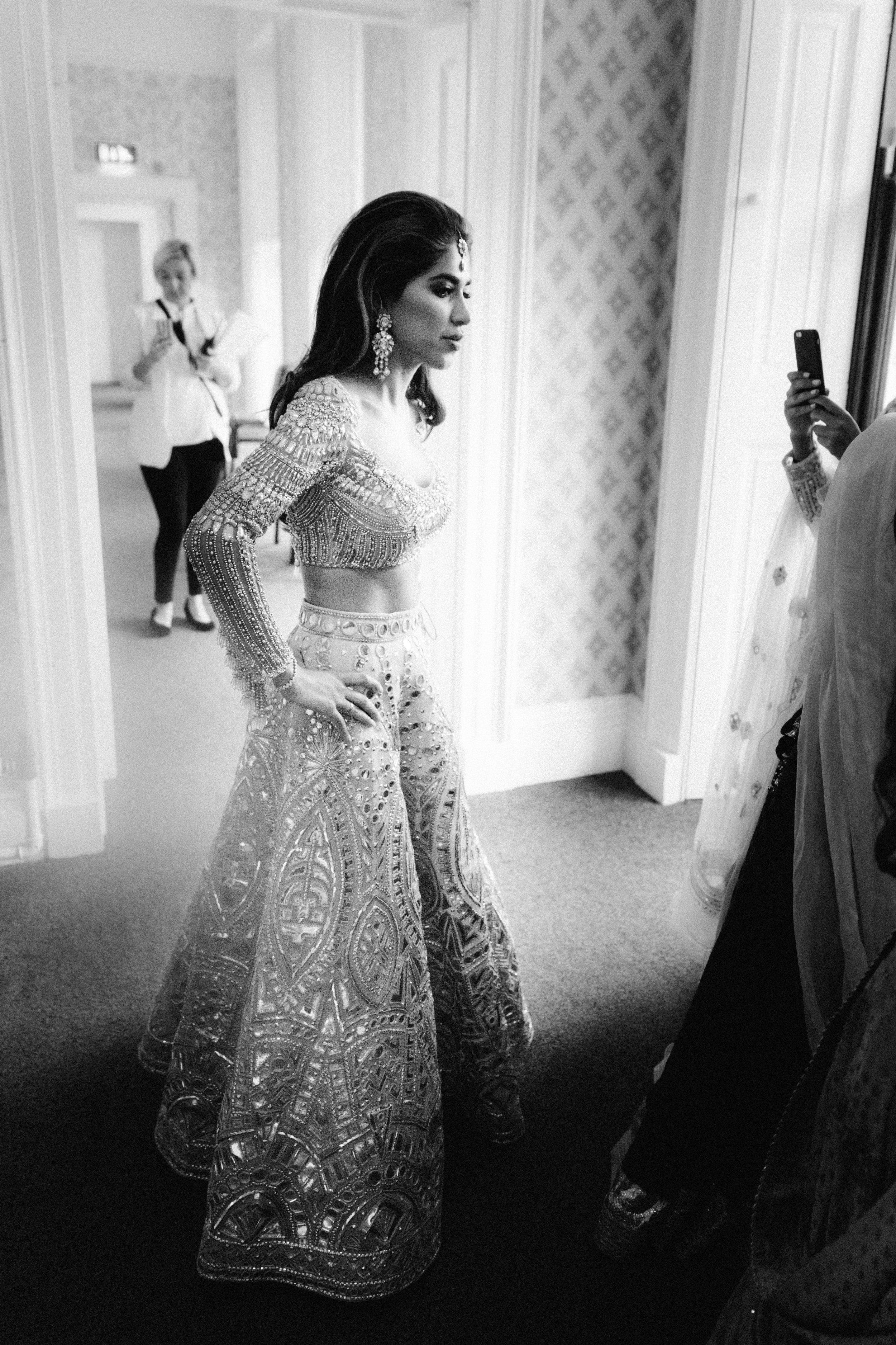 alternative asian Mehndi and wedding in Tatton Park - Michael Newington Gray-6.jpg