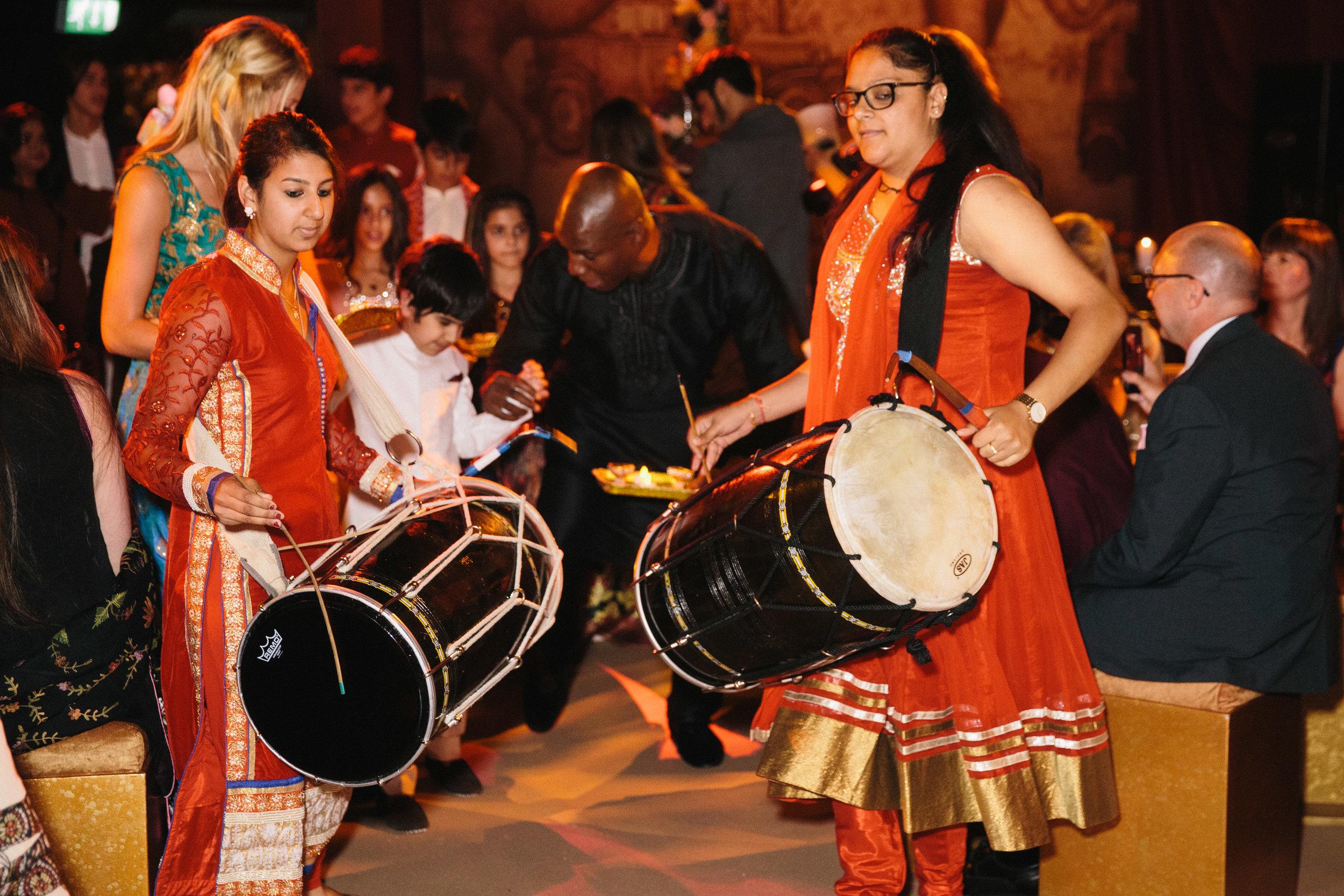 alternative asian Mehndi and wedding in Tatton Park - Michael Newington Gray-41.jpg
