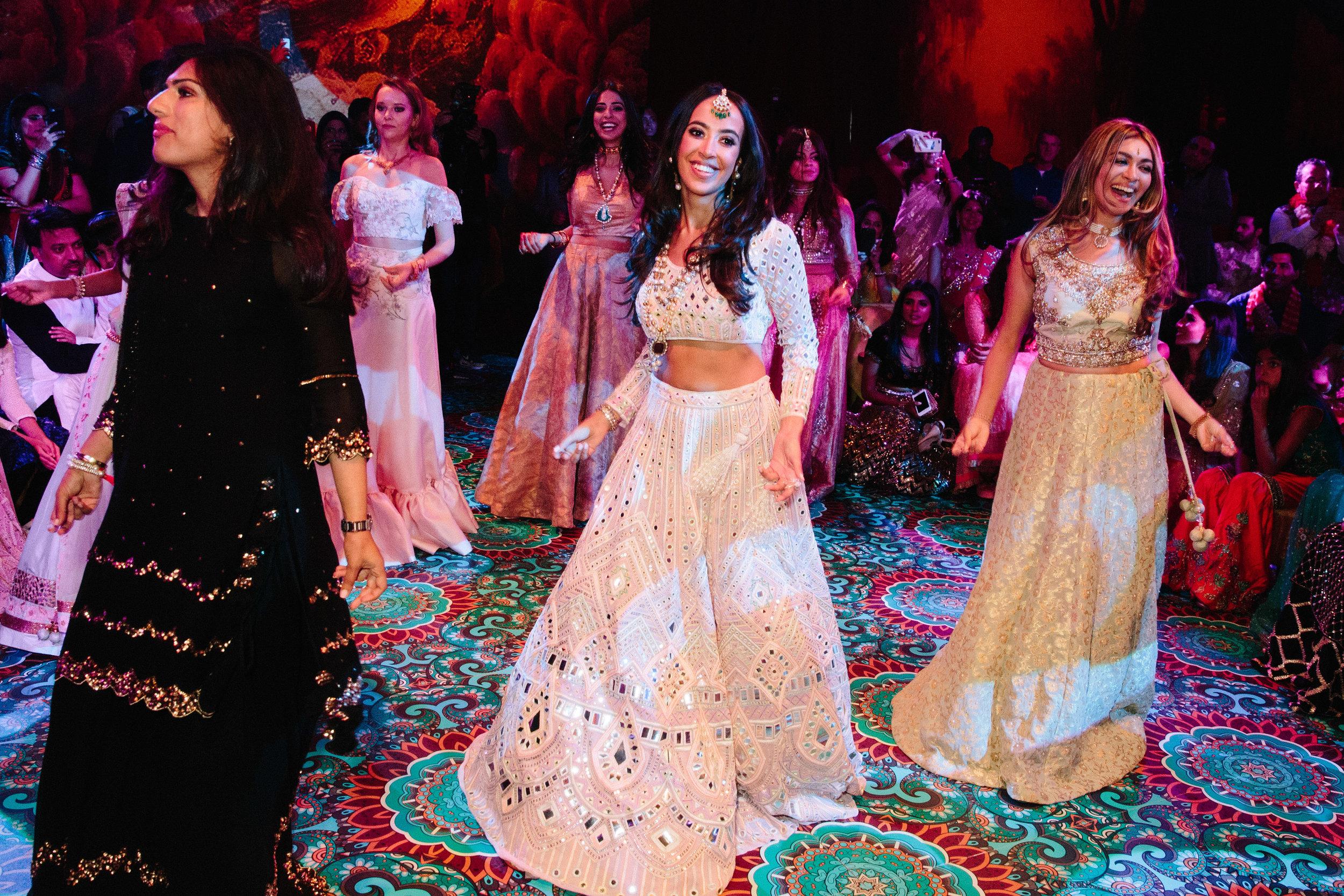 alternative asian Mehndi and wedding in Tatton Park - Michael Newington Gray-47.jpg