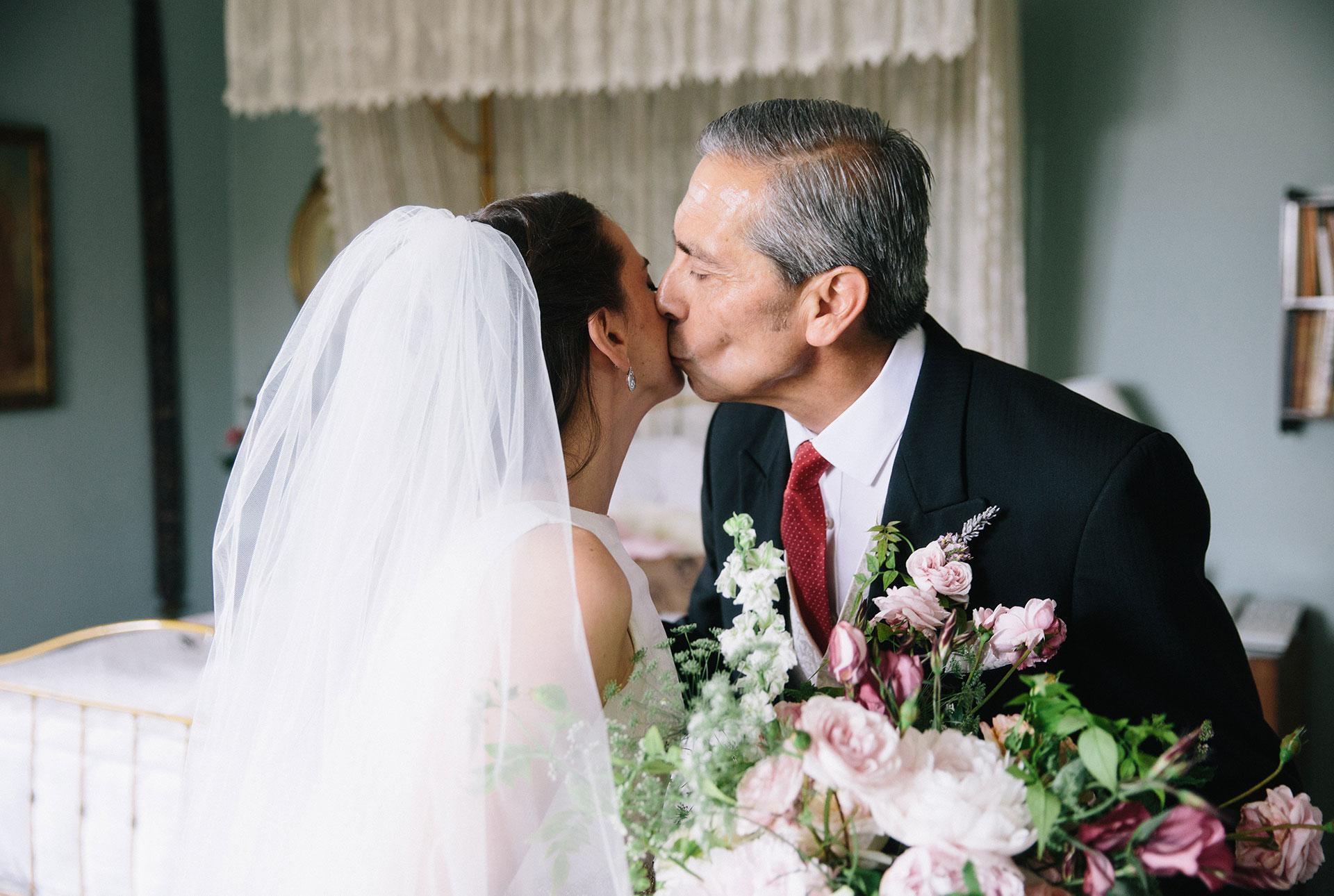Langar-Hall-wedding-photographer-in-Nottinghamshire-Michael-Newington-Gray-24.jpg