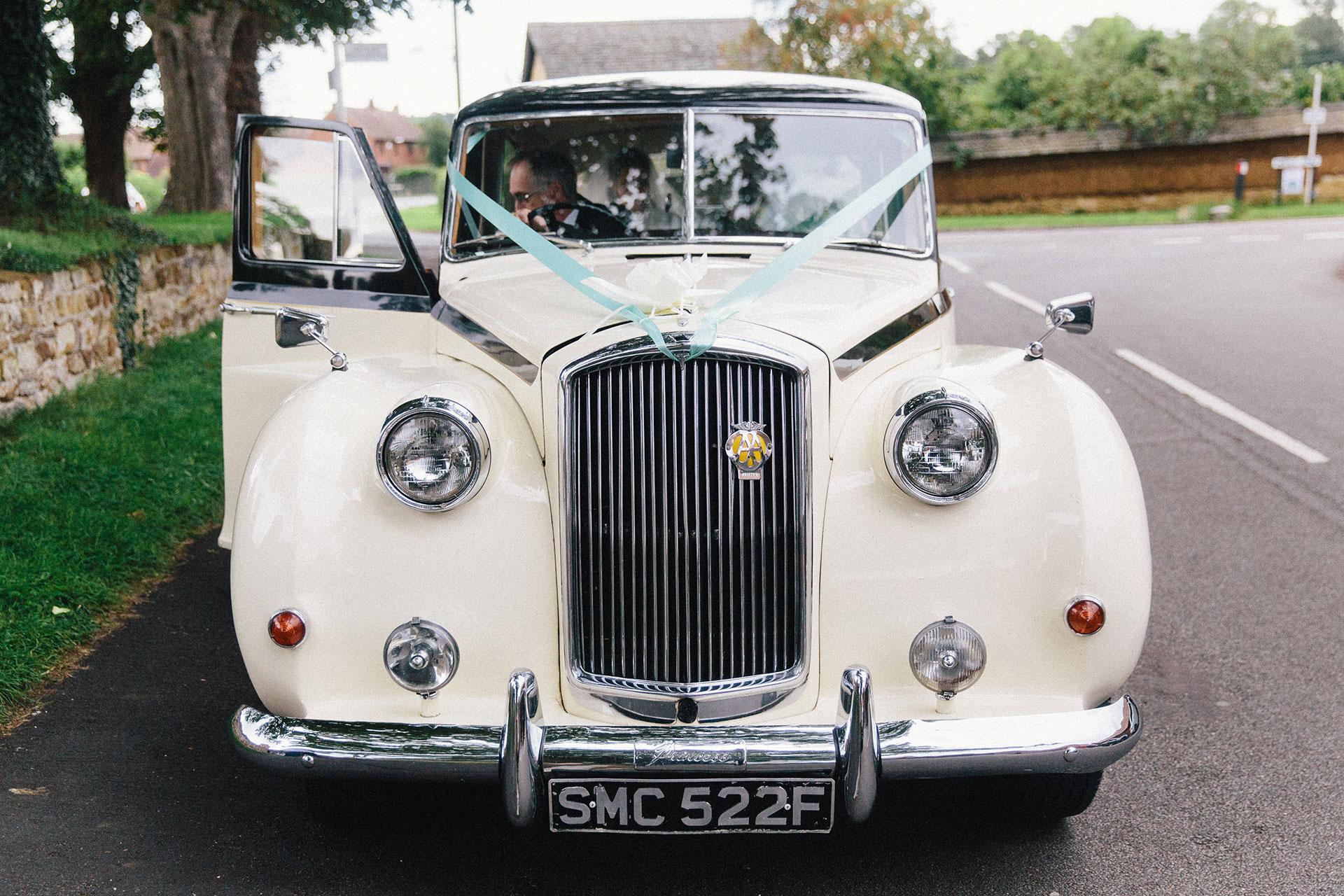Langar-Hall-wedding-photographer-in-Nottinghamshire-Michael-Newington-Gray-39.jpg