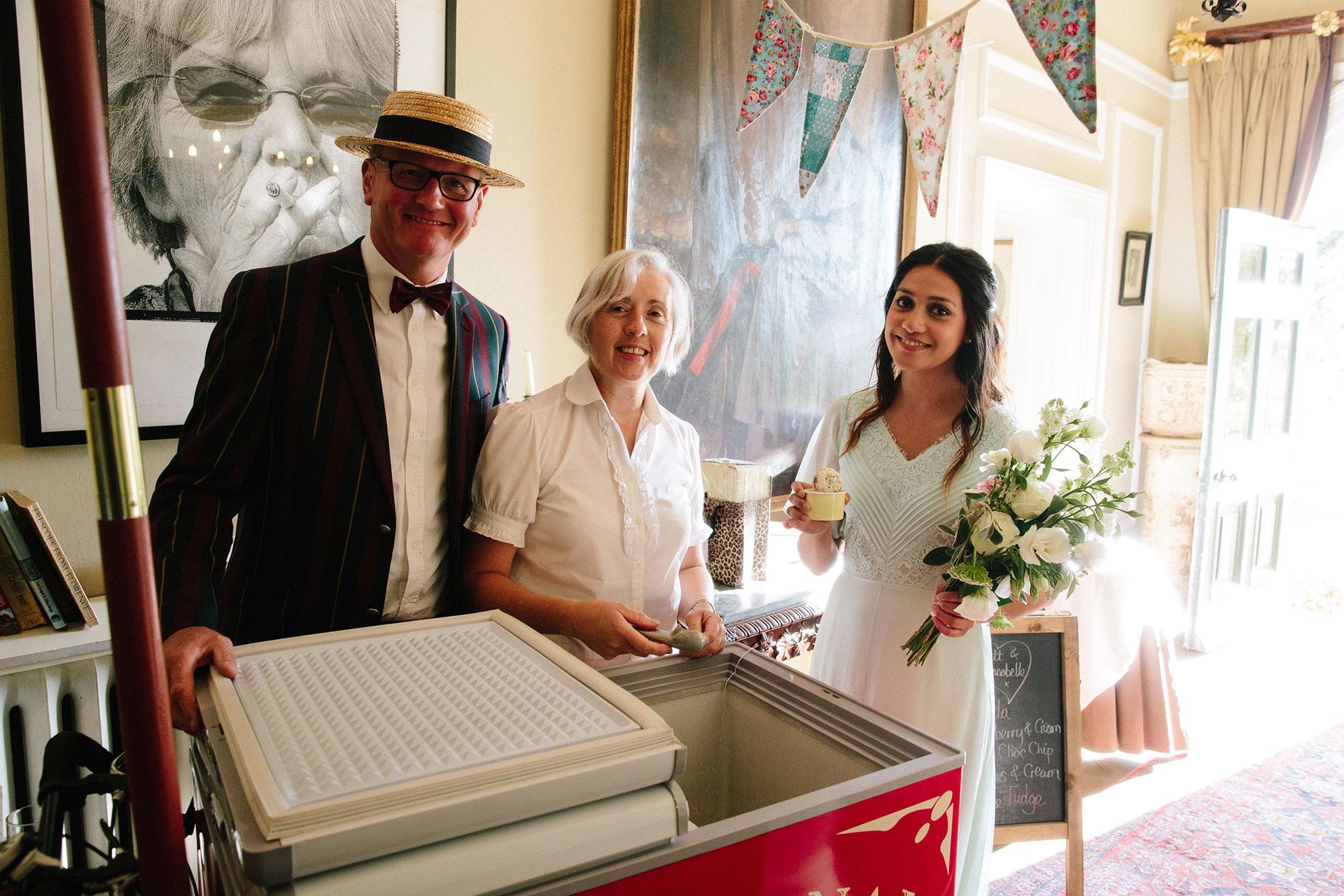 Langar-Hall-wedding-photographer-in-Nottinghamshire-Michael-Newington-Gray-72.jpg