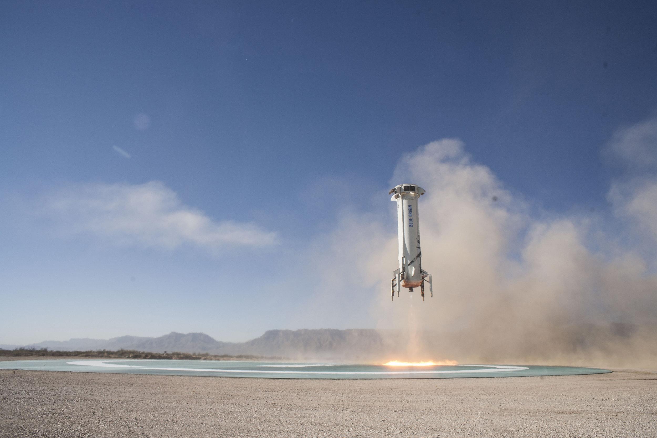 Blue-Origin-New-Shepard-Mission-7-Booster-Landing-2.jpg