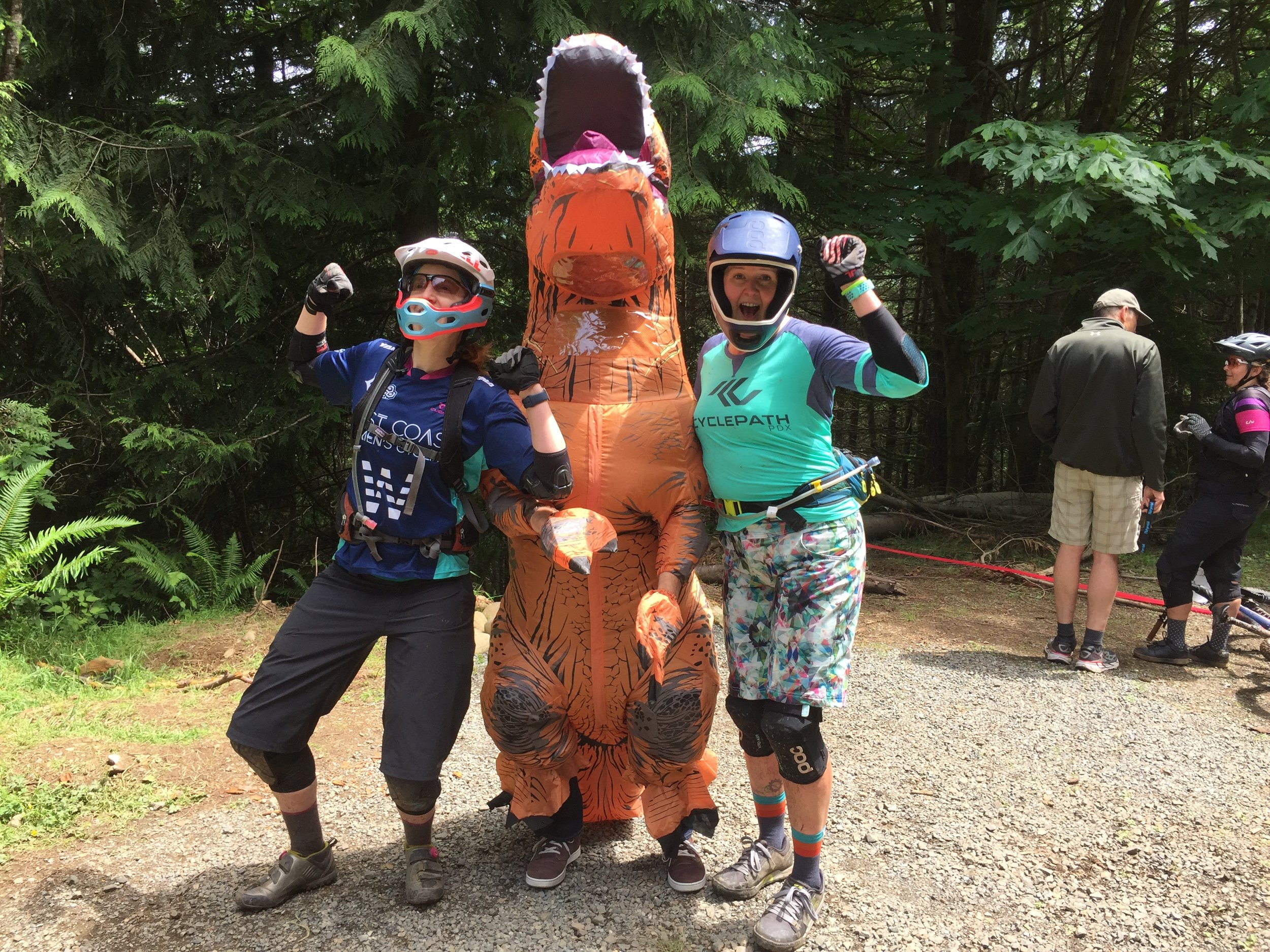 And Aliza is not afraid to make new friends.  Here she is rubbing shoulders with the locals at Sturdy Dirty Tiger Mountain Enduro.