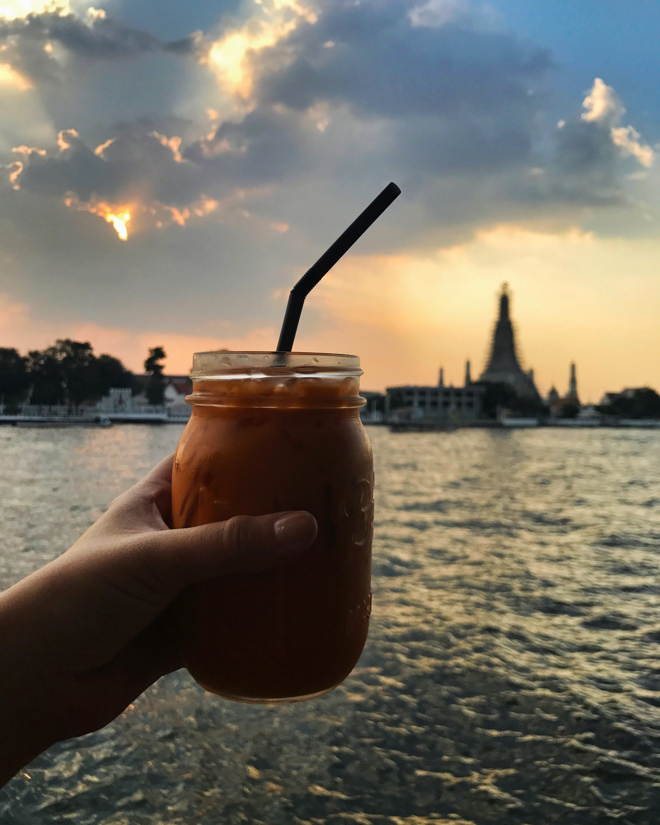 ViVi The Coffee Place @Chaophraya River (Banglamphu)