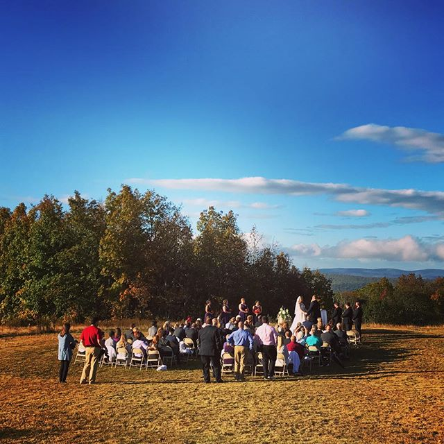 Beautiful wedding ceremony on top of the world at the Mountain Lake overlook. Congrats Rachael & Derek!  @mtnlakelodge #vawedding