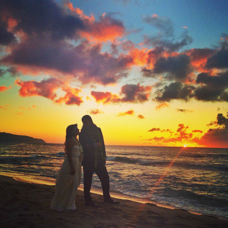 hawaii-sunset-beach-ceremony