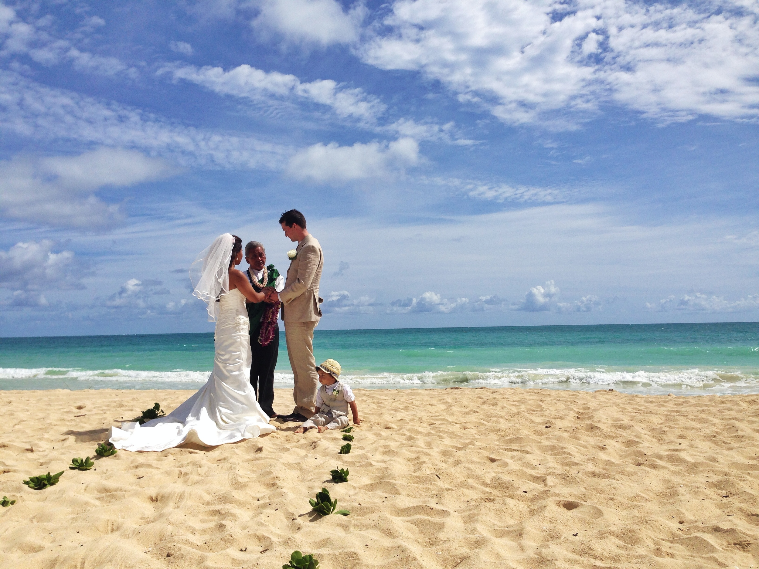 hawaii-beach-ceremony