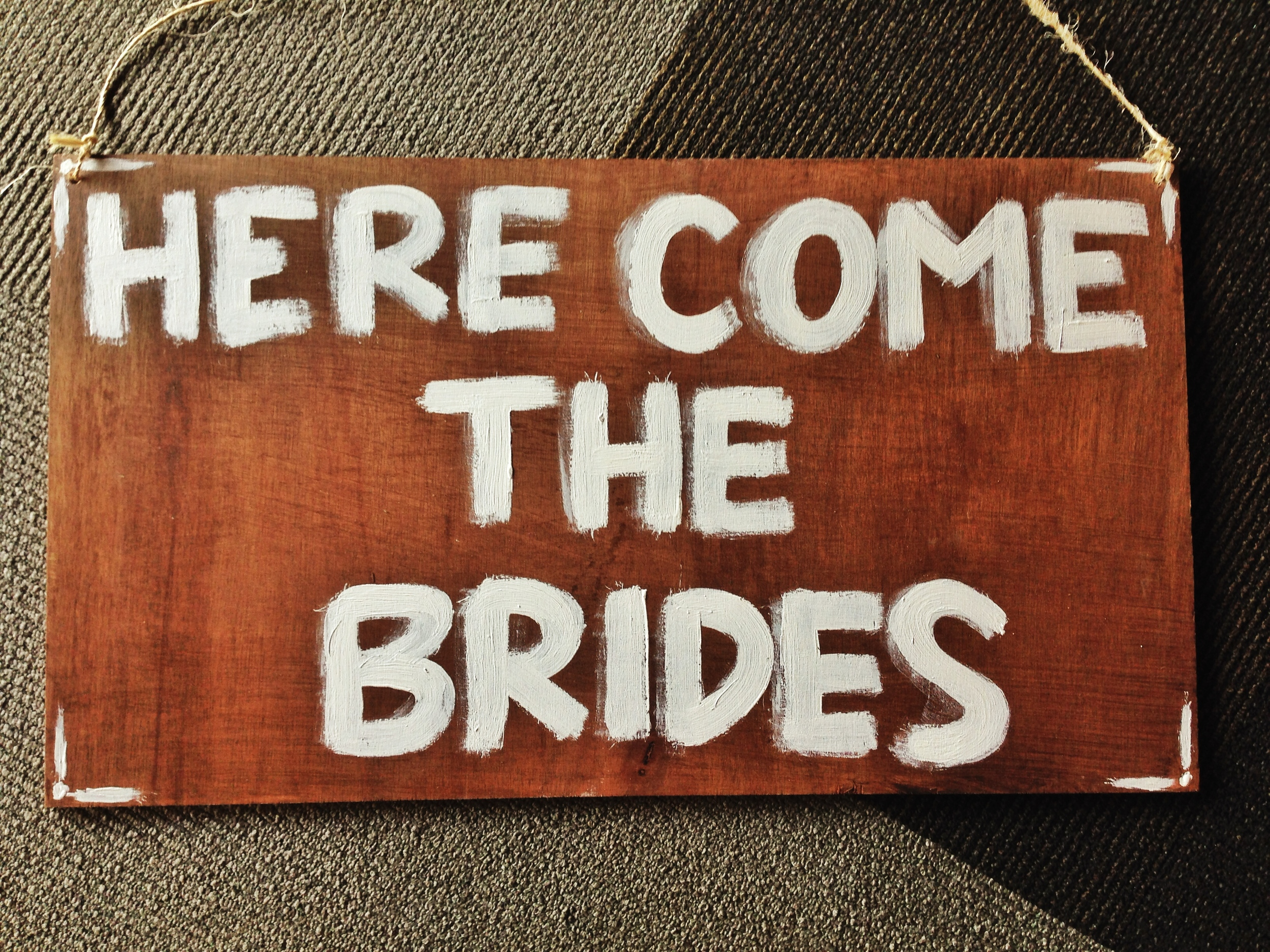 here-comes-the-bride-sign-diy