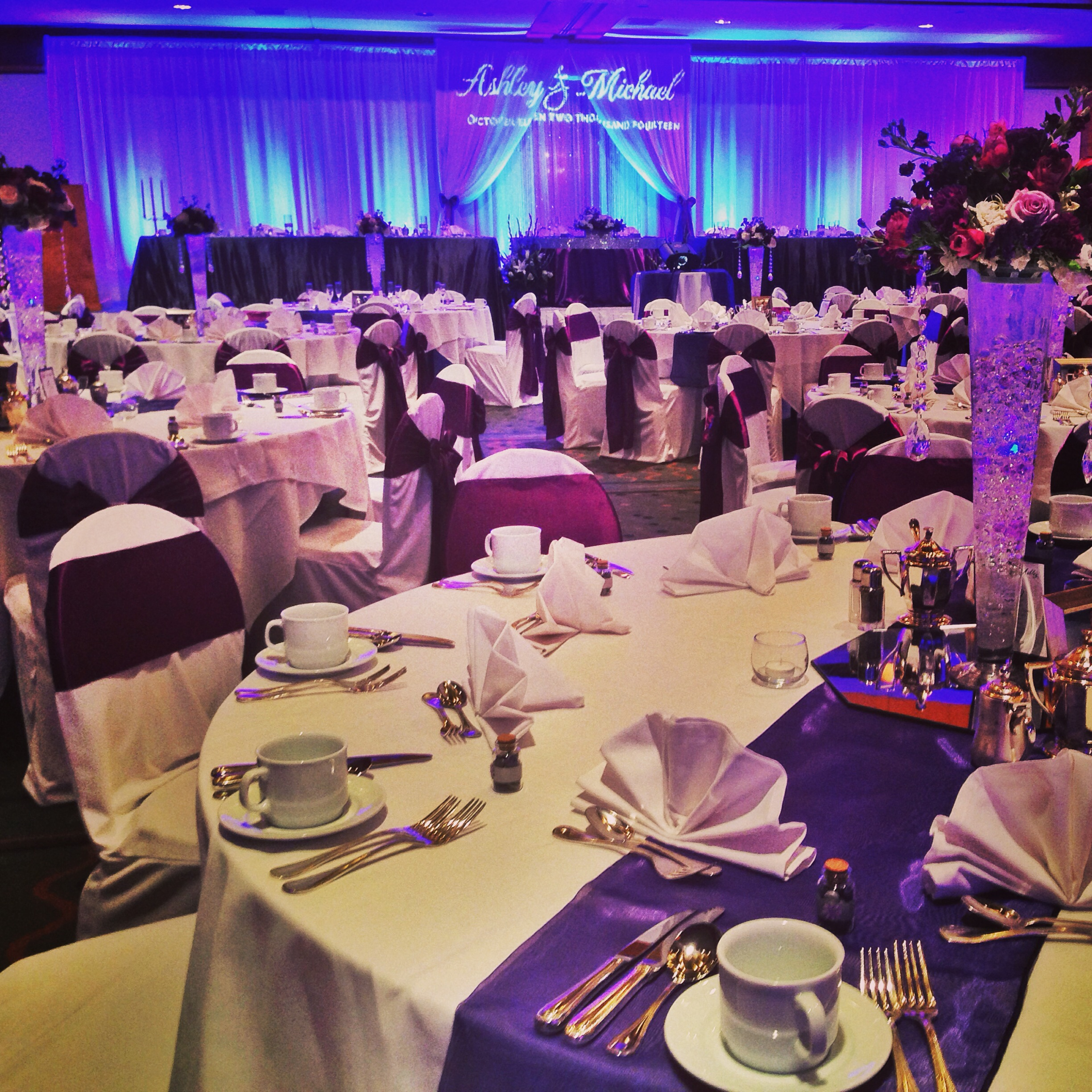 mike-ashley-hawaii-prince-hotel-reception-its-so-pretty-linens-purple-theme
