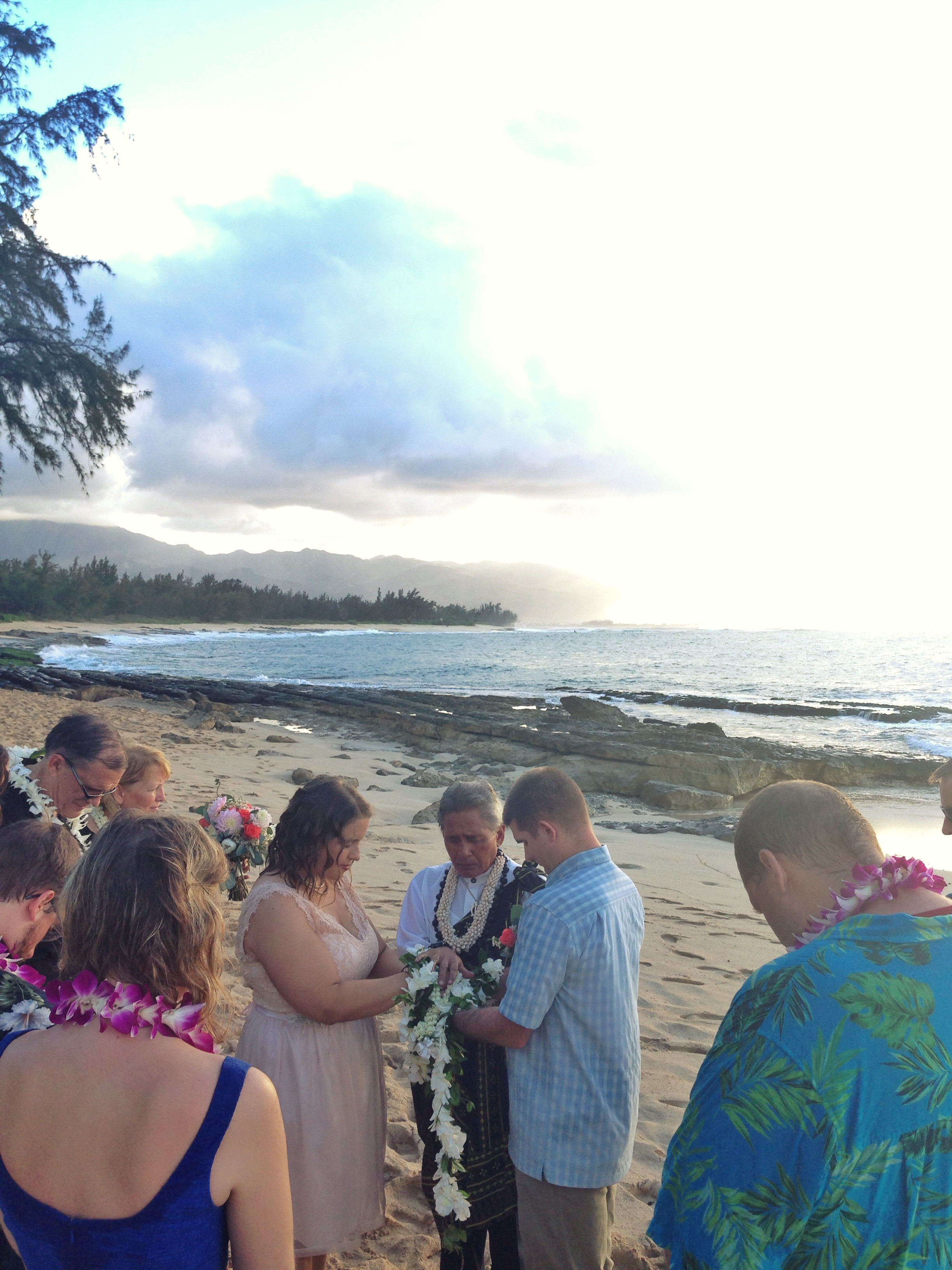 jacqueline-caleb-beach-hawaii-wedding-ceremony